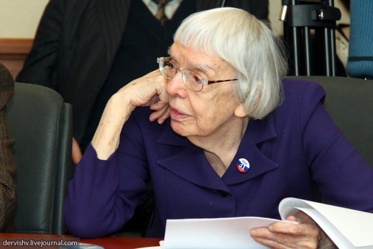 Lyudmila_Alexeyeva_2011-03-10